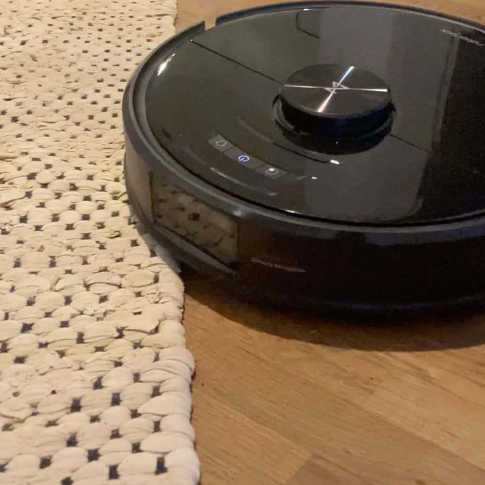 Roborock S6 MaxV Saugroboter Teppich von Vorne